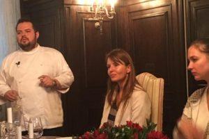 Chef colombiano promueve platos con uchuva en el exterior