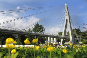 La belleza arquitectónica de cinco puentes de Santander